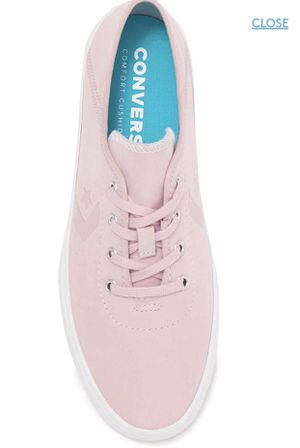 Chuck Taylor Oxfords Sleek Converse Women's Sneakers Size 8 ⭐️ Soft Light Pink - NWT for Sale in El Monte, CA