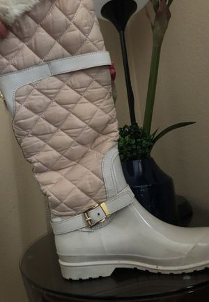 Very nice rain or snow boots Michael Kors. for Sale in Las Vegas, NV