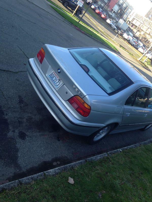 BMW 528i $2900