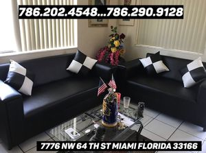Sofá & love seat never used for Sale in Miami, FL