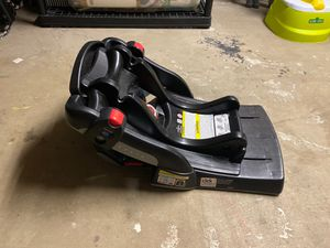 Graco Click Connect Car seat base for Sale in Chicago, IL