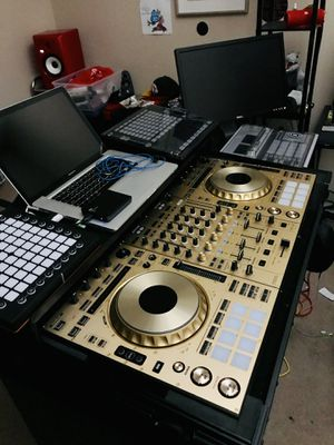 Like NEW PIONEER CDJ-SZ 1 of 500 made LIMITED EDITION GOLD for Sale in Phoenix, AZ