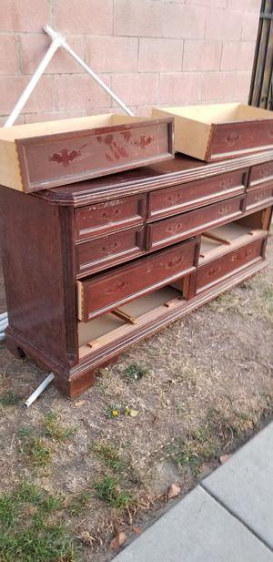 Bassett Dresser for Sale in Covina, CA