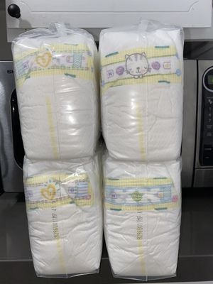 Pampers Swaddlers - Newborn - 108 Diapers for Sale in Artesia, CA