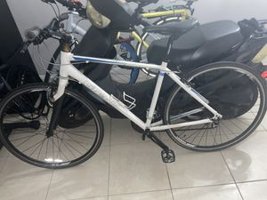 Giant road bike for Sale in Coral Gables, FL