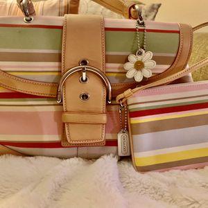Coach Soho Hampton Daisy Handbag for Sale in Santa Ana, CA
