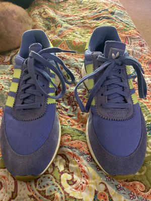 Two pair of adidas tennis shoes new (NEW) 8.5 for Sale in Long Beach, CA