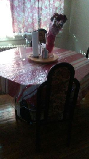 Sellin table 4 chair class for Sale in Hyattsville, MD