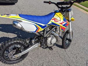 125cc Apollo RFZ X14 (Semi Auto) Dirt Bike for Sale in Woodstock, GA