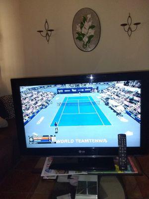 """Tv LG 32"""" perfec condition remote control original NO SMART price firm español también for Sale in Phoenix, AZ"""