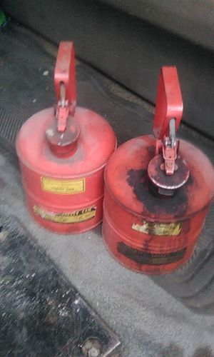 2 gas can's for Sale in Chicago, IL