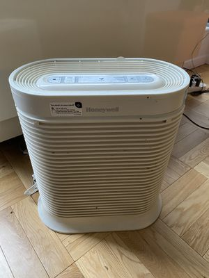Honeywell HEPA Allergen Remover and Air Purifier for Sale in New York, NY