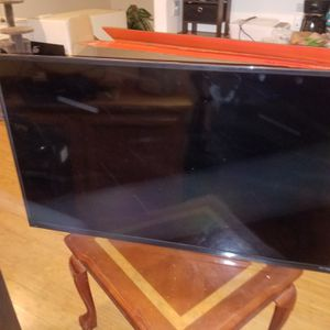 Atyme 50 inch led uhd 4k tv - used for Sale in Sacramento, CA