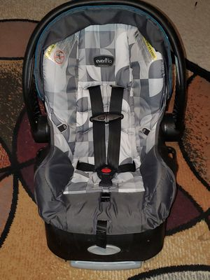 Evenflo Infant Car Seat for Sale in Sterling Heights, MI