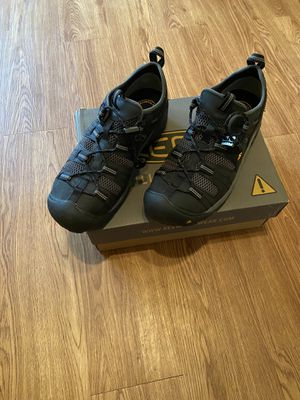 Keen utility shoes size 10 for Sale in Raleigh, NC