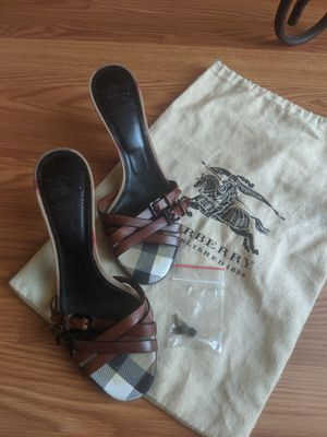Burberry heels size 36eu/6us for Sale in Lynnwood, WA