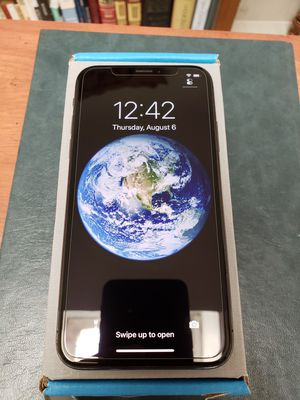 iPhone X 64GB • Factory unlocked, works with any carrier • Warranty • Hablo español • No trades for Sale in Chula Vista, CA