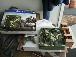 Limited edition PS4 camouflage 1tb with games 375 o.b.o for Sale in Garfield Heights, OH