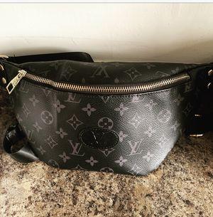 Louis Vuitton crossbody bag (Fanny Pack) for Sale in Dearborn, MI