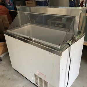 Ice Cream Cooler for Sale in Sterling Heights, MI