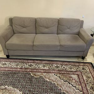 Couch for Sale in Des Plaines, IL