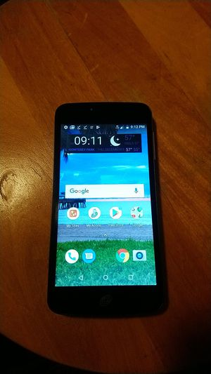 UMX trak phone - with new number good for 1 year for Sale in Los Angeles, CA
