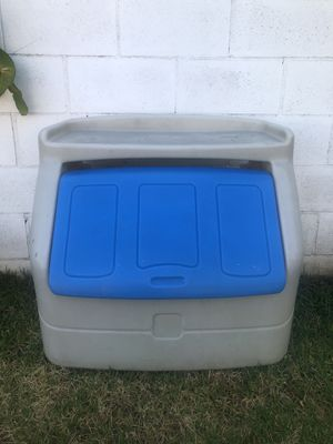 VINTAGE Large Plastic Toy Box Chest Storage Step 2 for Sale in Ontario, CA