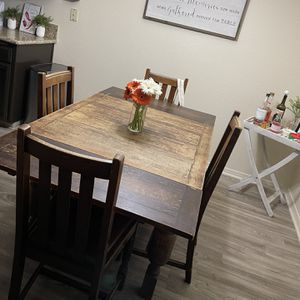 Dining Room Table for Sale in Fresno, CA