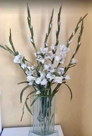 Flower glass vase decoration for Sale in Las Vegas, NV