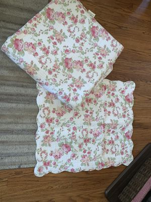 Queen Size Reversible Quilt Comforter w/ Two Pillow Shams for Sale in Chicago, IL