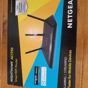 NETGEAR Nighthawk Smart WiFi Router (R6700) for Sale in Tualatin, OR