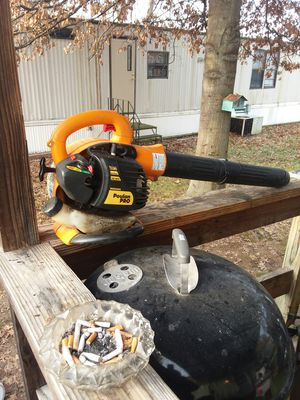 Poulan leaf blower, works great $60 for Sale in Fenton, MO