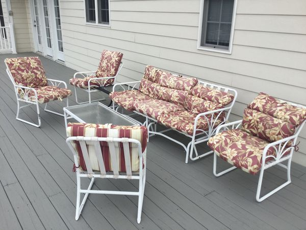 5 piece patio set with glider
