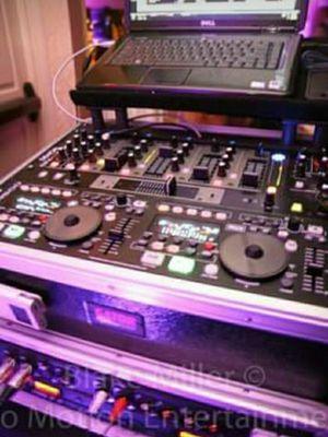 Solo $20 si quieres grabar tu musica favorita de YouTube a tu telefono o computadora o tablet I DJ for Sale in Chicago, IL