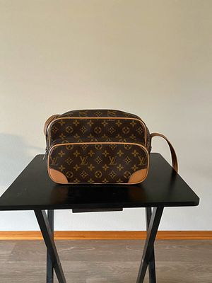 Louis Vuitton Crossbody for Sale in Vancouver, WA