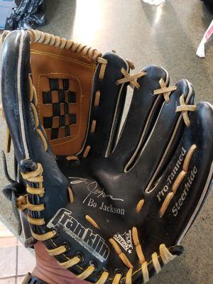 "12"" Franklin baseball glove for Sale in Norwalk, CA"