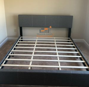 Brand New King Size Grey Linen Upholstered Platform Bed Frame for Sale in Silver Spring, MD