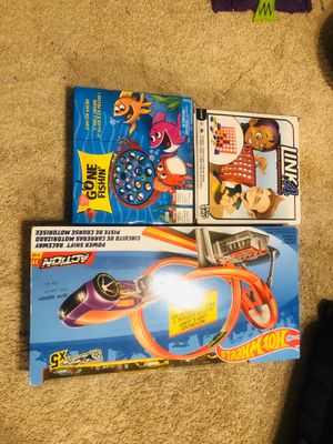 Hot Wheels PowerShift Raceway Track & 5-Race Vehicles Set15$,gold fishing 3$,anker play3.all 3 in20$ for Sale in McLean, VA