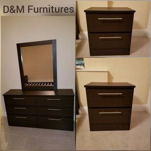 Comoda con espejo y dos mesitas de noche. chest of drawers with mirror and two bedside tables for Sale in Miami, FL