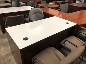 "Hon 30""x66"" single ped desk for Sale in Houston, TX"