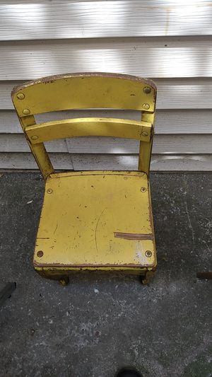 Antique chair for Sale in Oakland, CA