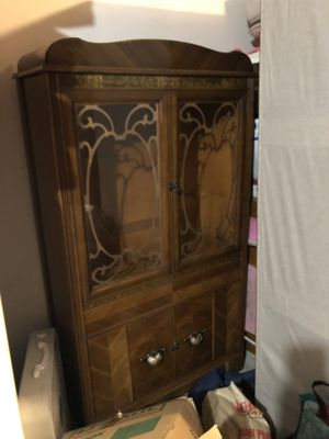 Antique Art Deco China cabinet,very good condition-Delivery available for Sale in Tualatin, OR