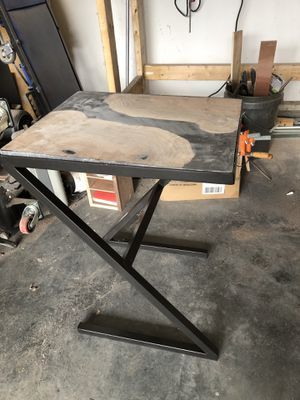 End table for Sale in Lewisburg, WV