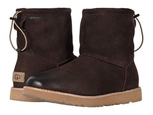 Uggs Classic Toggle Waterproof Ugg Boot Stout brown men's size 8 - new for Sale in Escondido, CA