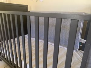 Baby crib for Sale in Phoenix, AZ