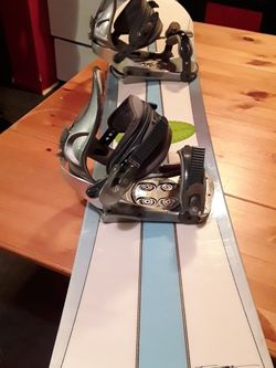 EXCELLENT CONDITION Sims 159cm Snowboard with LTD Bindings (Men's Large) - RETAIL $380 for Sale in Seattle,  WA