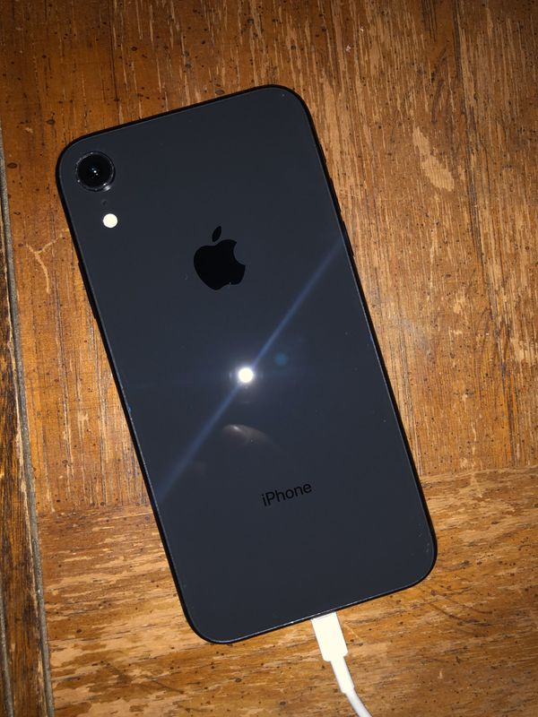 iPhone XR Factory Unlocked 64GB 9/10