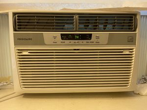 Frigidaire 350-sq ft Window Air Conditioner with Remote (115-Volt; 8000-BTU) for Sale in Cambridge, MA