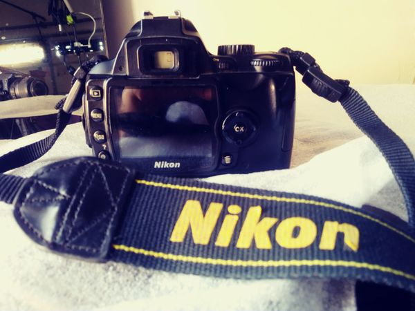 Nikon D60 DSLR Camera with 18-55mm f/3.5-5.6G Auto Focus-S Nikkor Zoom Lens