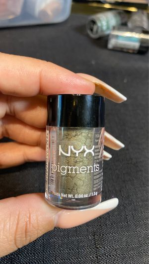 NYX Cosmetics loose eyeshadow pigment in henna (makeup beauty make up) for Sale in San Antonio, TX